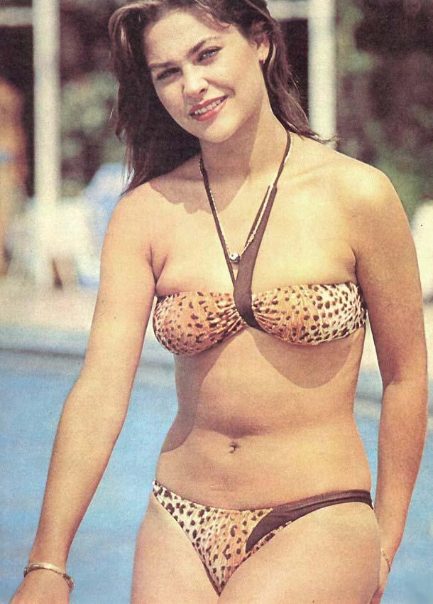 Hülya Avşar Bikini