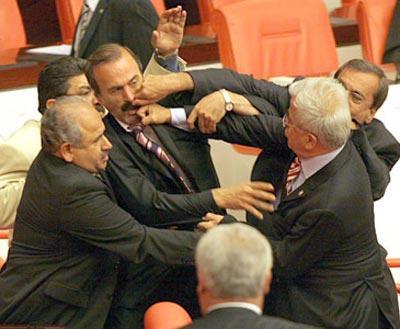 MilletvekiliKavgasi