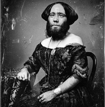 sakallı kadın josephine ile ilgili görsel sonucu