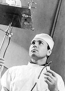 4-leonid-rogozov-kendi-apandisit-ameliyatini-yapan-adam
