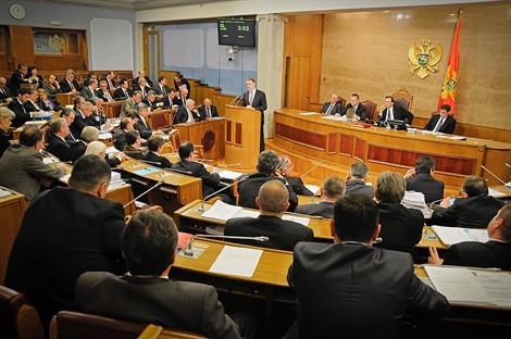 Montenegro-parlamentosu-ulkelere-gore-secım-baraji