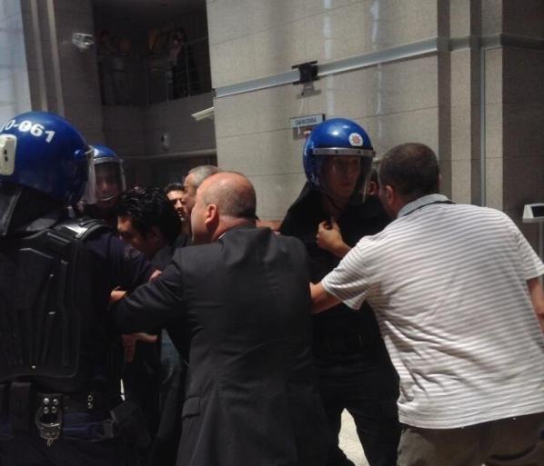 caglayan-polis-tutuklu-avukatlar-4-600x562