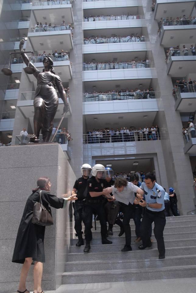 hukuk-devleti-polis