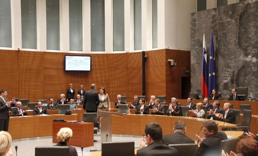 slovenya-parlamentosu-ulkelere-gore-secim-barajlari