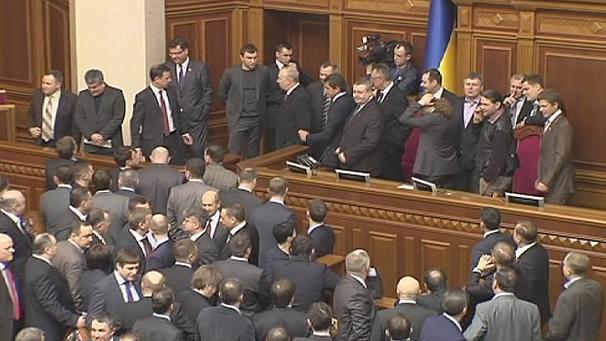 ukrayna-parlementosu-ulkelere-gore-secim-barajlari