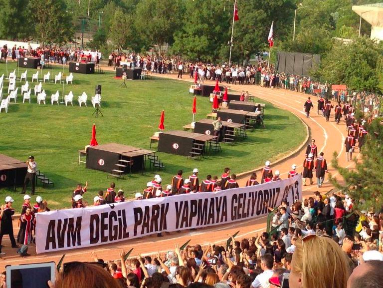 avm-degil-park-gezi-odtu-pankart