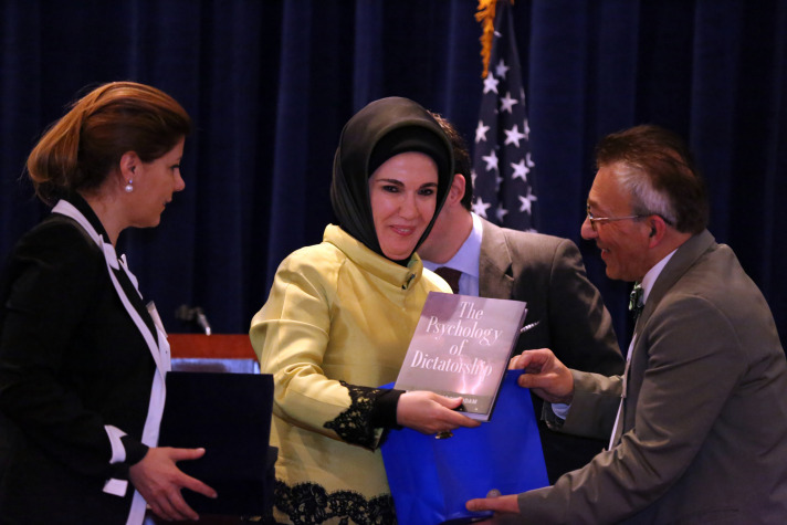 emine erdoğan hediye kitap