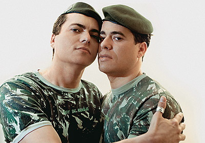 ig-nobel-odulleri-award-gay-soldier-gay-askerler