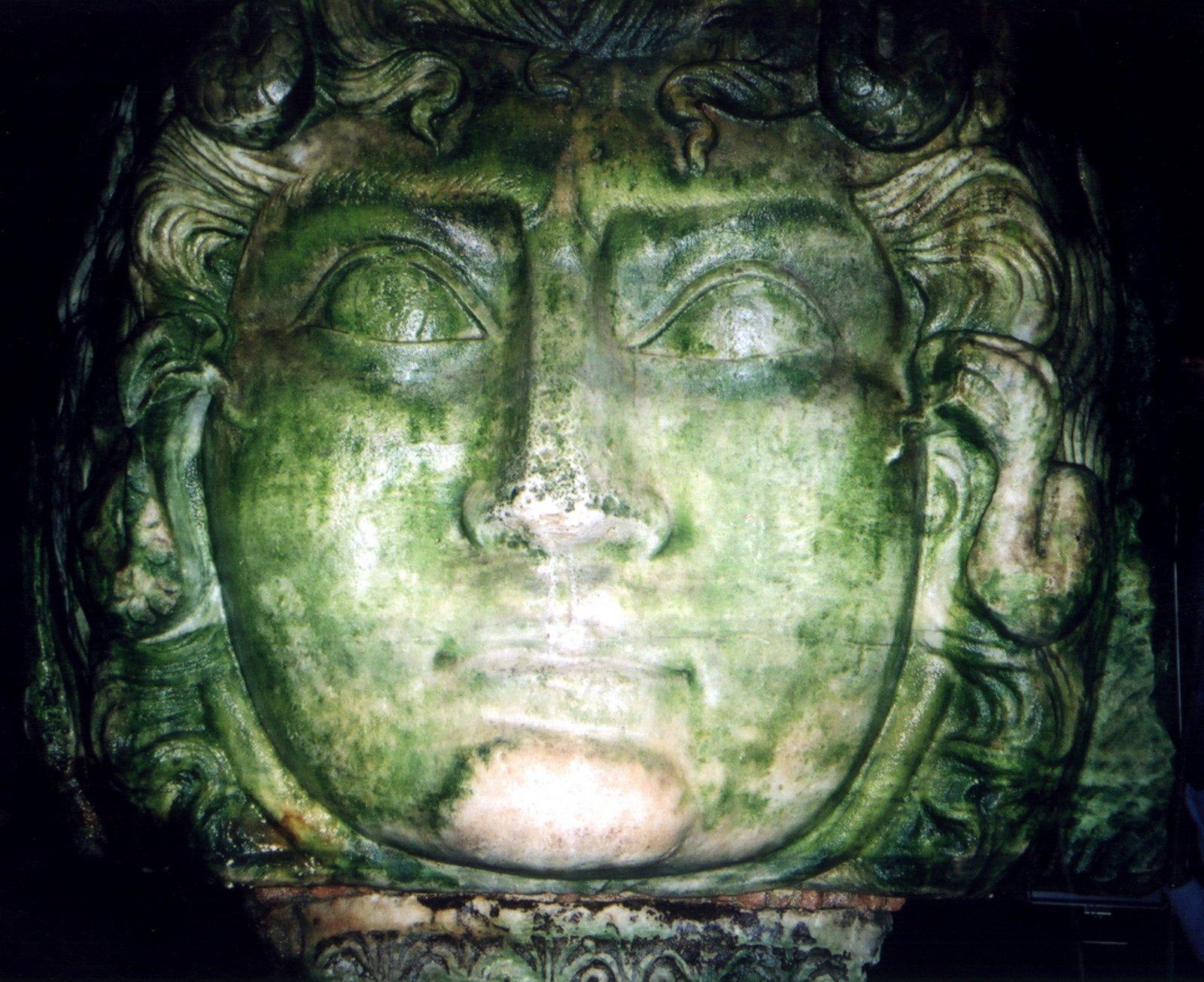 medusa-3-yerebatan-sarnici-basilica-cistern-bazilika