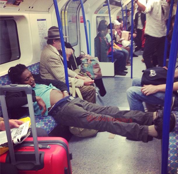 metroda uyuyanlar (11)
