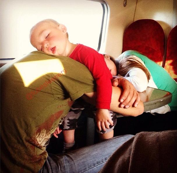 metroda uyuyanlar (12)