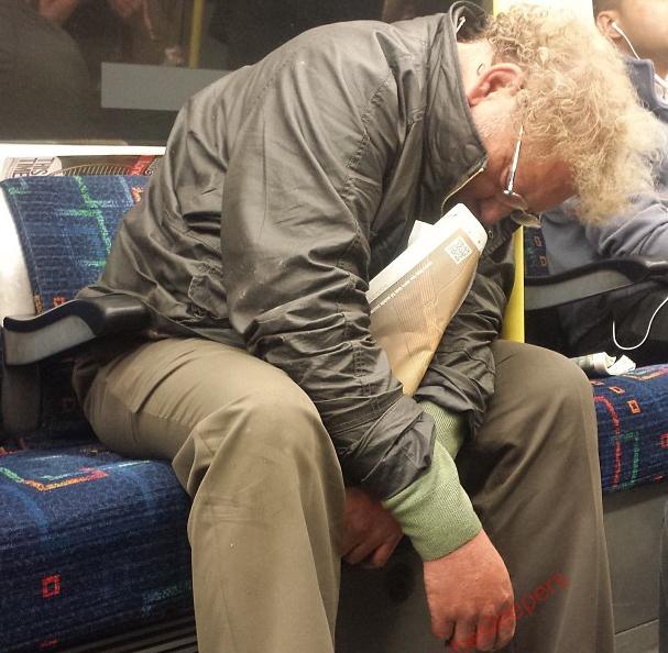 metroda uyuyanlar (15)