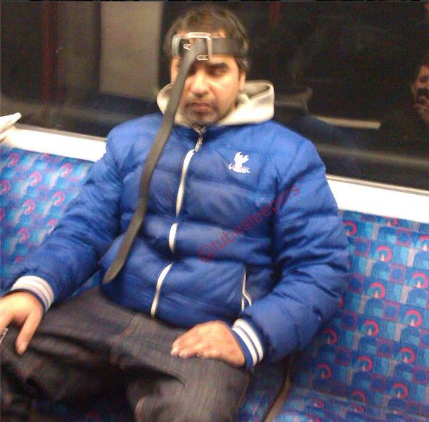 metroda uyuyanlar (19)