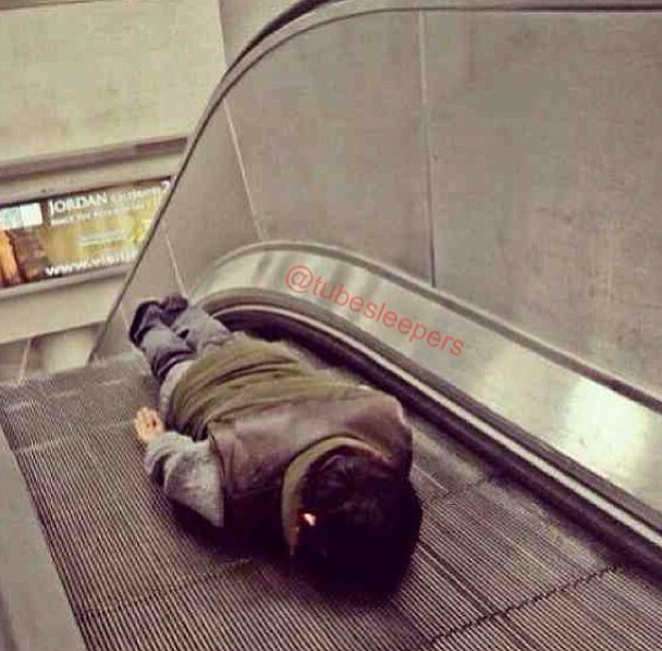 metroda uyuyanlar (3)