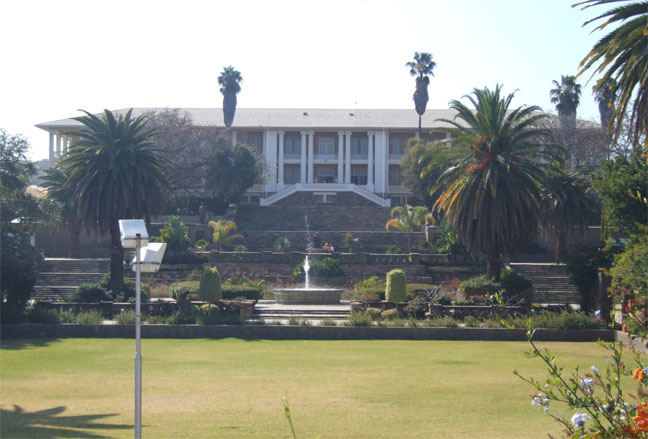 namibia-windhoek-parliament-namibya-parlamentosu