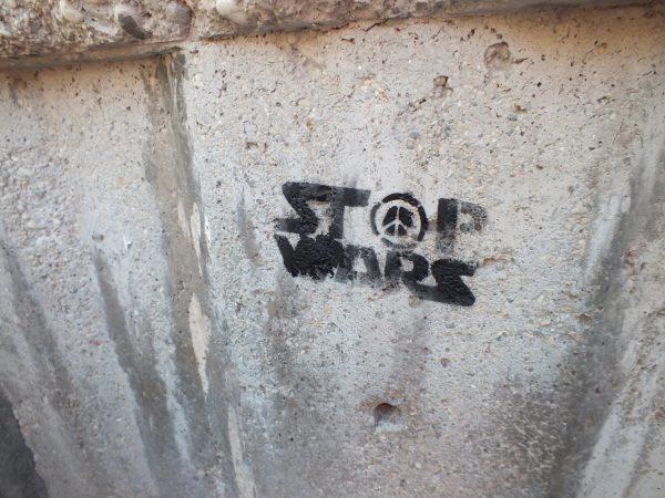 stop-wars-duvar-yazisi