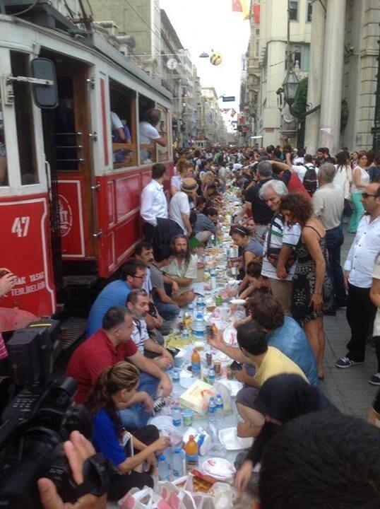 tramvay-yeryuzu-iftari