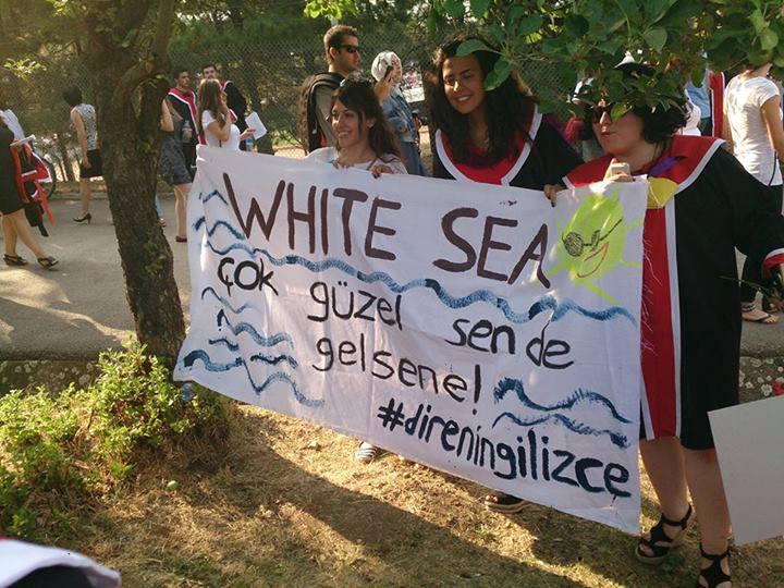 white-sea-gelsene-odtu-gezi-pankart