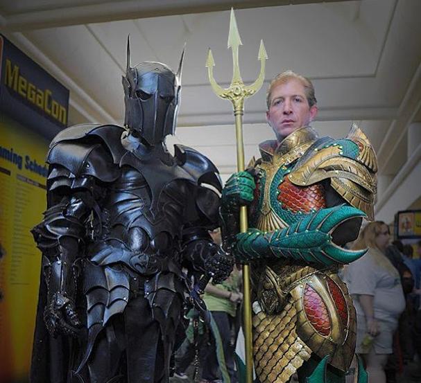Medieval-Batman-and-Medieval-Aquaman-cosplay-photo
