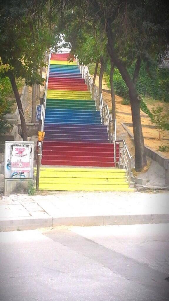 ankara-seyranbaglari-renkli-diren-merdiven