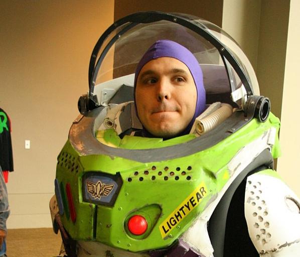 buzz-lightyear-cosplay