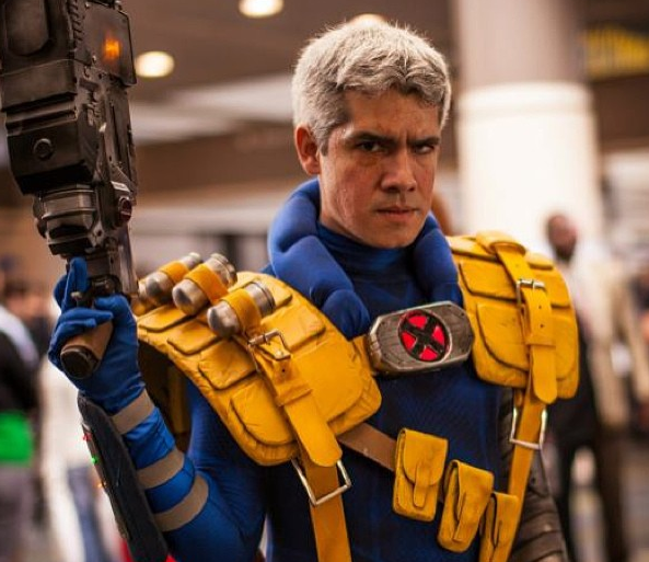 cable-x-man-cosplay-photo