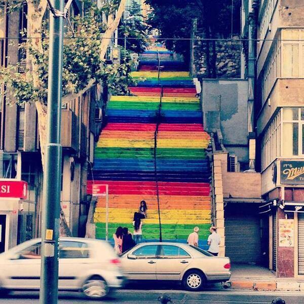 diren-renkli-merdiven-findikli-cihangir