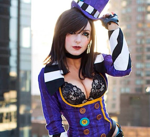 mad-moxxi-cosplay-photo
