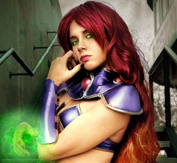 starfire-cosplay-photo