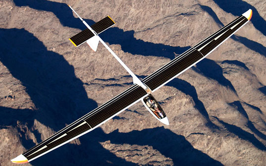 first-solar-powered-flight