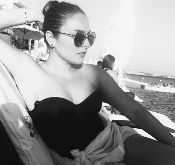 unlulerin-instagram-hesaplari-ezgi-mola