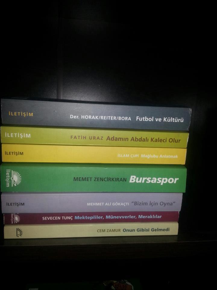 yeni-kitaplar-trabzon-futbol-kutuphanesi