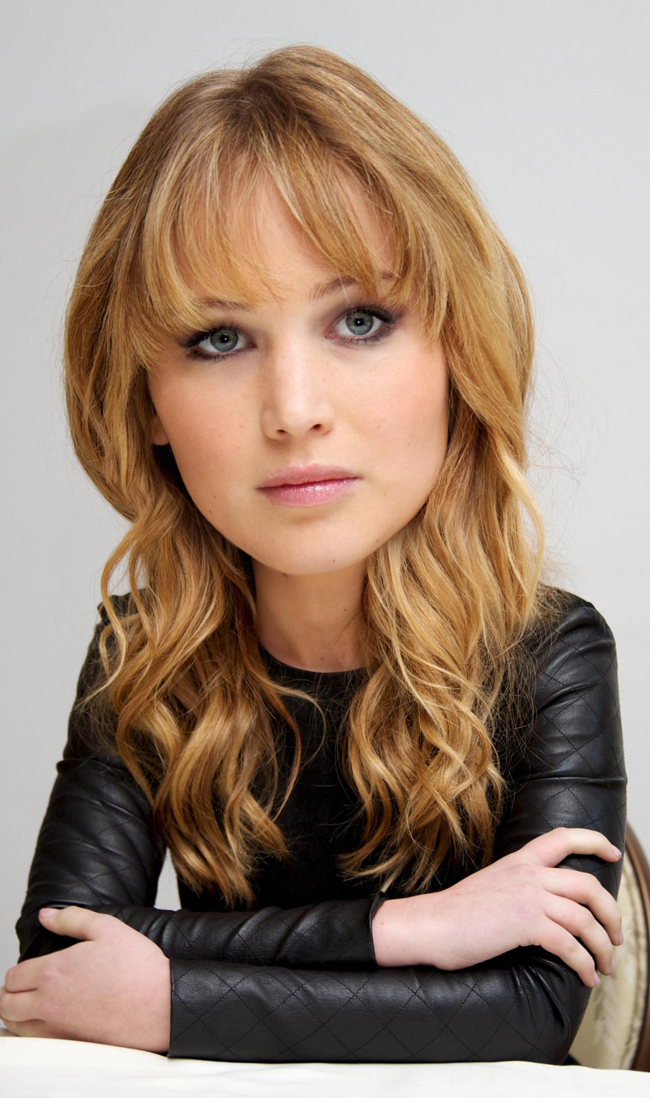 Jennifer-Lawrence-koca-kafalilar