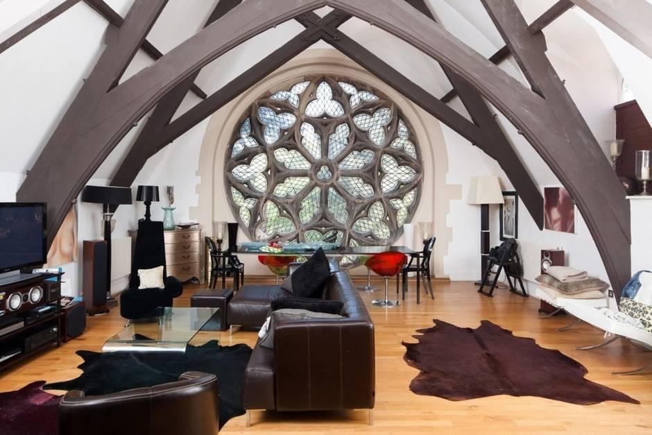 gotik çatı katı
