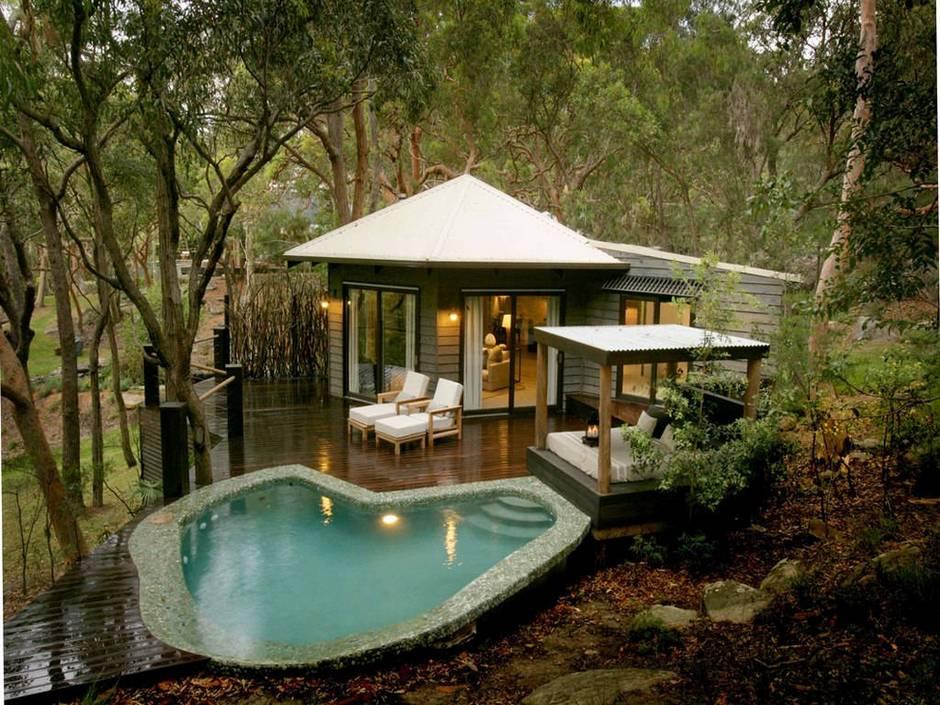 orman içindeki ev