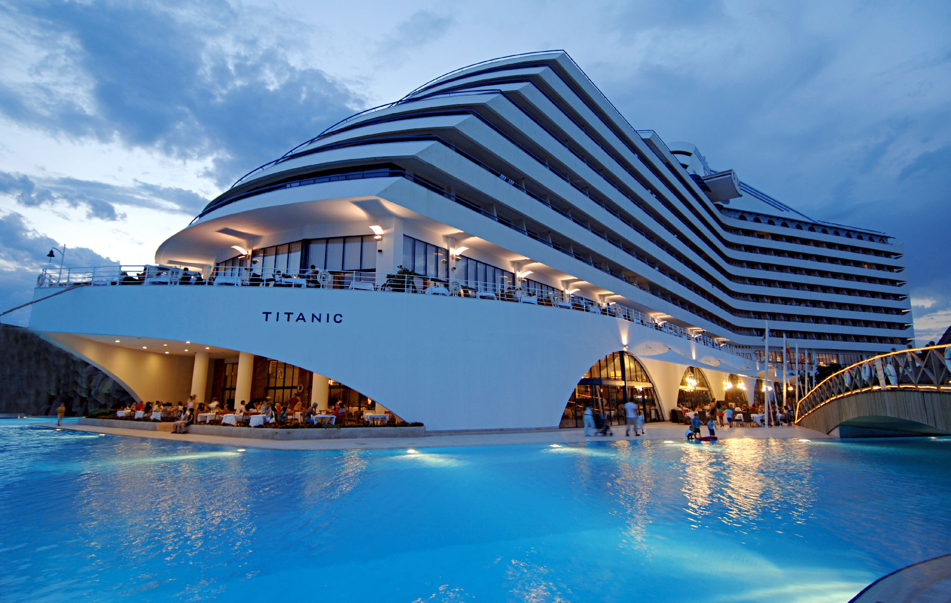 titanic-resort-hotel-en-iyi-balayi-yerleri-antalya