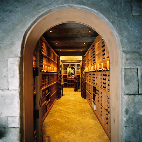 özel tasarımlı şarap mahzenleri