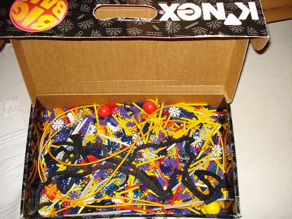 640px-K'nex_-_Big_Ball_box
