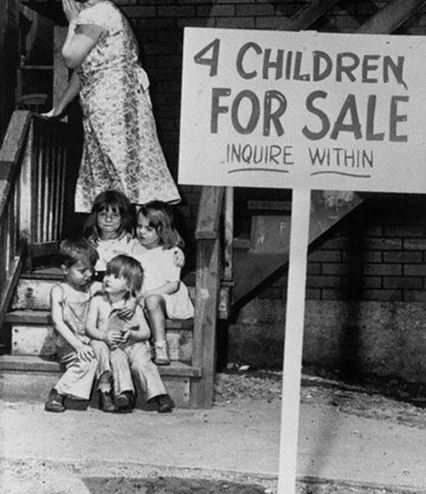 cocuklarini-satisa-cikaran-anne-1948