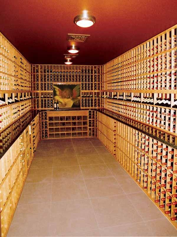 eski özel şarap mahzeni