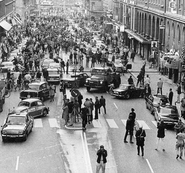 isvec-araba-yolunun-soldan-saga-gecmesi-kaos-1967
