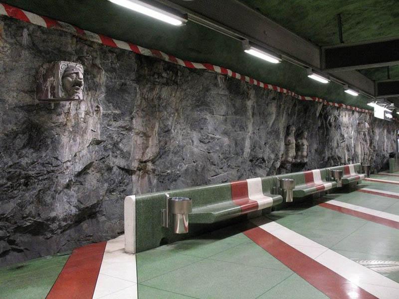 metro-içinde-sanat-galerisi