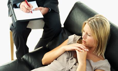 psikiyatri-seanslari-kadin-hasta