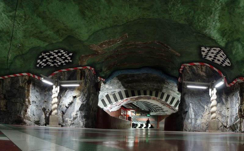stockholm-metro-sanat-galerisi