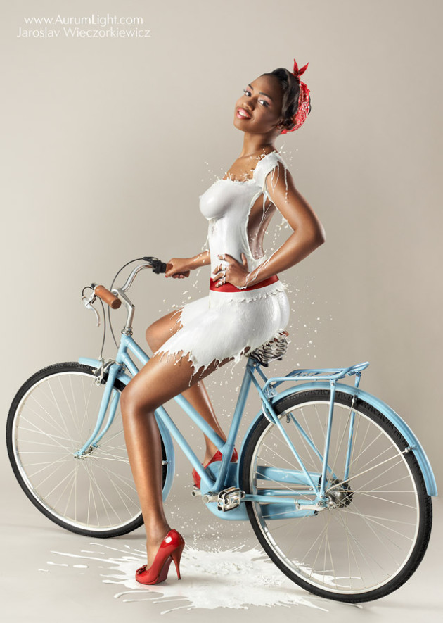 zenci-kadin-pin-up-sut-kiyafet