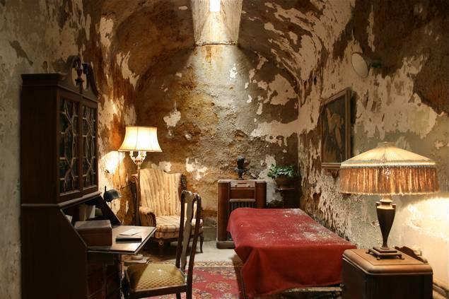 Al-capone-hucresi-retro-luks-en-iyi-hapishaneler