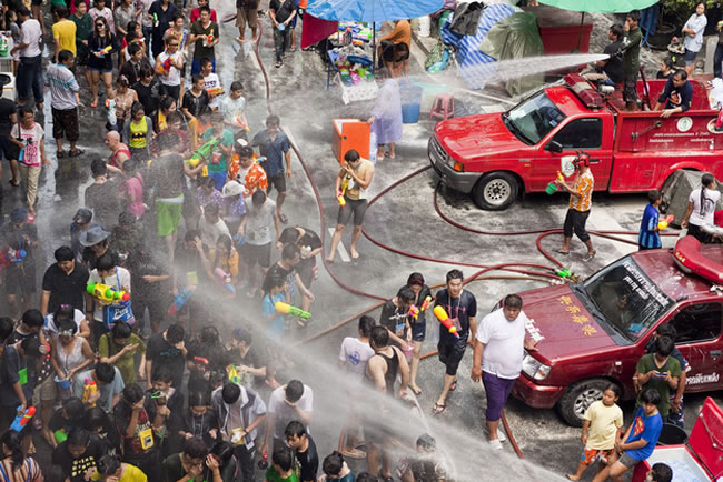 Songkran Su festivali