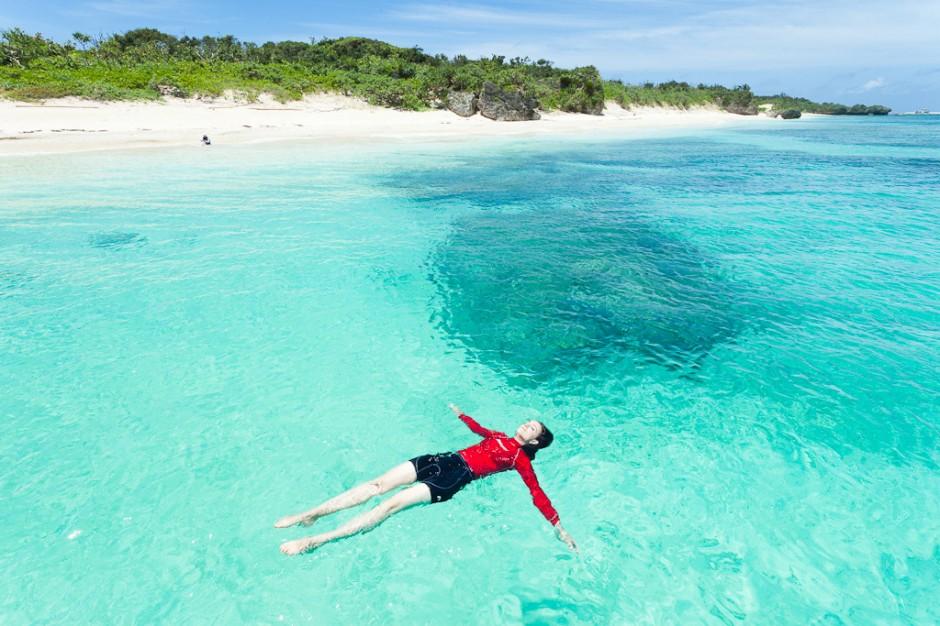 dunyanin-en-temiz-denizleri-panari-adasi-okinawa-japonya