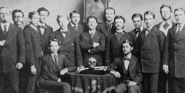 dunyayi-yonetenler-bones&skulls