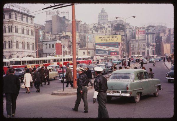 eminonu-nostaljik-fotograflar-1965-yakin-cekimi